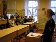 Tikšanās laikā ar nepilngadīgo lietu inspektori Evitu Kalniņu