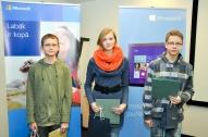 Paula Laure un pārējie konkursa uzvarētāji 7.-8.klašu grupā